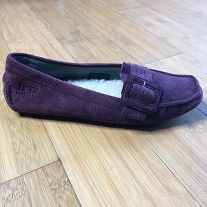 UGG Women's Retreat Loafer wine 6.5